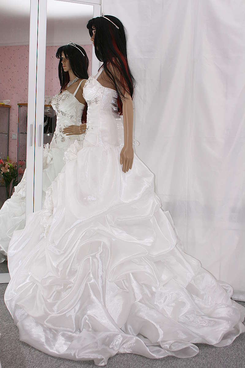 Brautkleid Hochzeitskleid Rot Weiss 48 50 52 Nazzals Traumhochzeit
